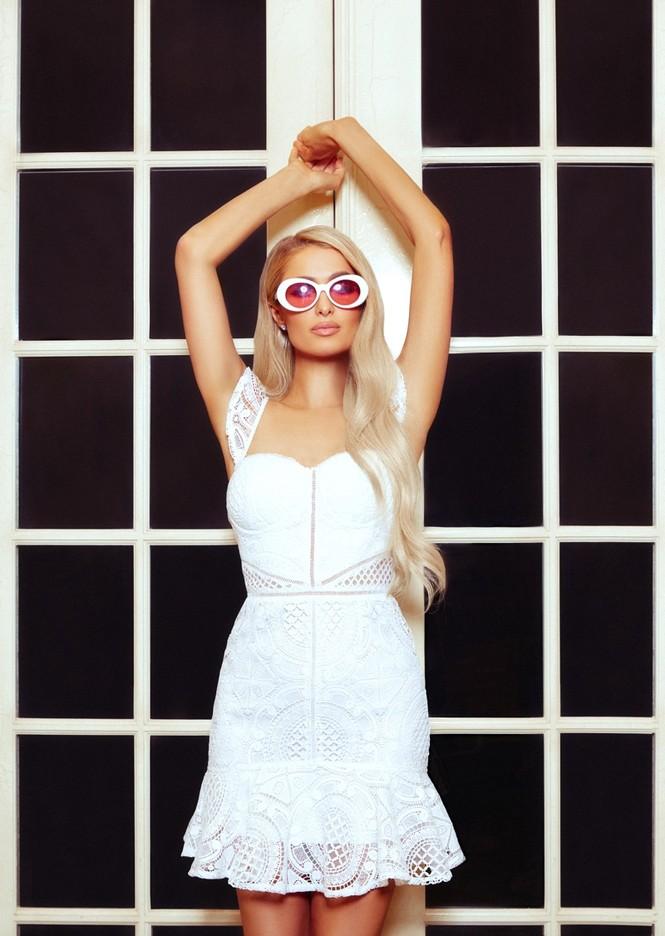 'Cô nàng tiệc tùng' Paris Hilton gần 40 tuổi vẫn quá đỗi gợi tình - ảnh 10