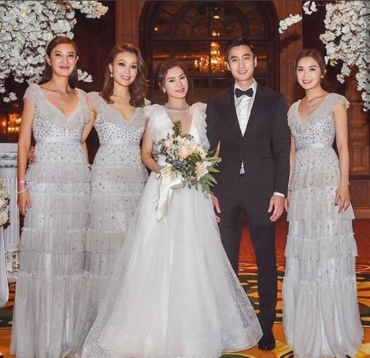 Cô dâu U40 Chung Hân Đồng xinh đẹp với đường cong quyến rũ - ảnh 13