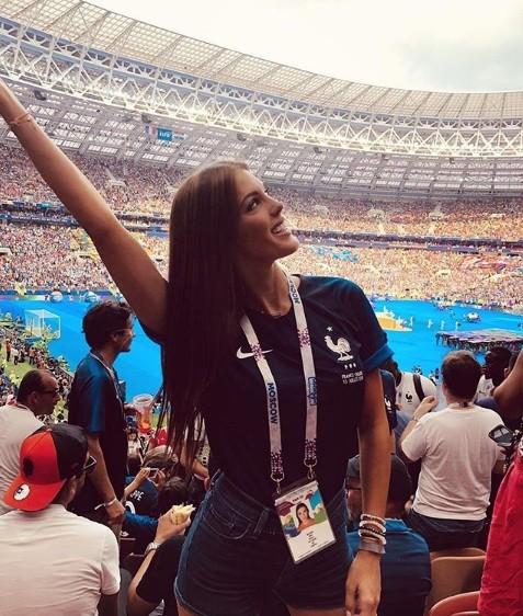 Hoa hậu Pháp, thiên thần nội y sôi nổi trên khán đài chung kết World Cup - ảnh 5