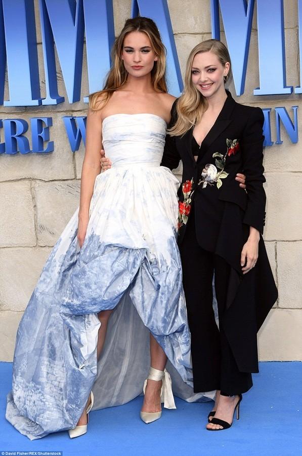 'Điệp viên 007' Pierce Brosnan tái ngộ dàn người đẹp Mamma Mia - ảnh 21