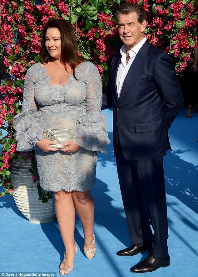 'Điệp viên 007' Pierce Brosnan tái ngộ dàn người đẹp Mamma Mia - ảnh 14