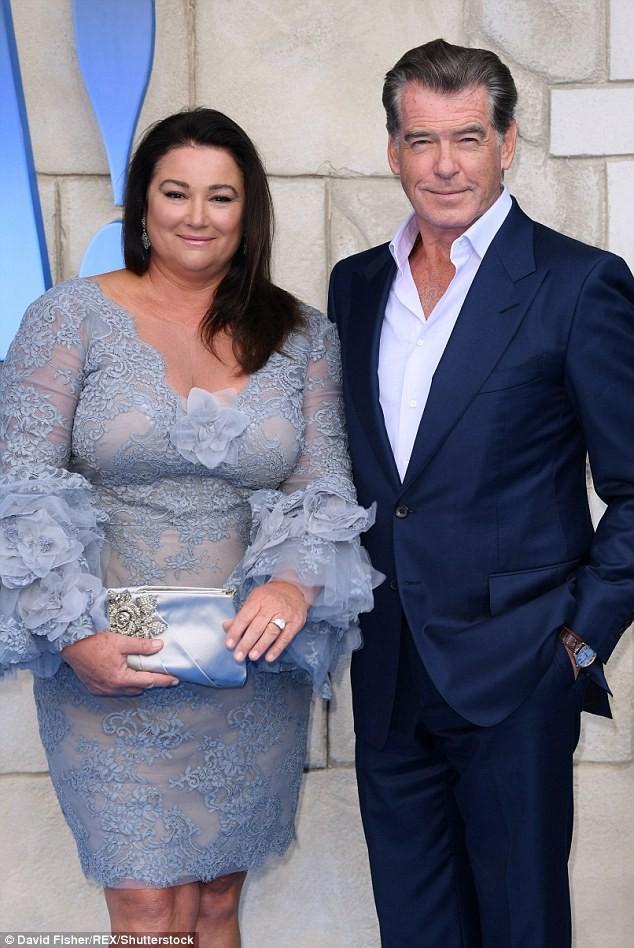 'Điệp viên 007' Pierce Brosnan tái ngộ dàn người đẹp Mamma Mia - ảnh 13