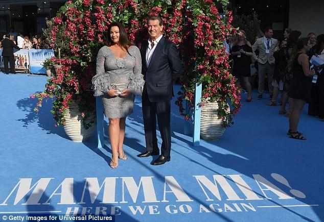 'Điệp viên 007' Pierce Brosnan tái ngộ dàn người đẹp Mamma Mia - ảnh 11