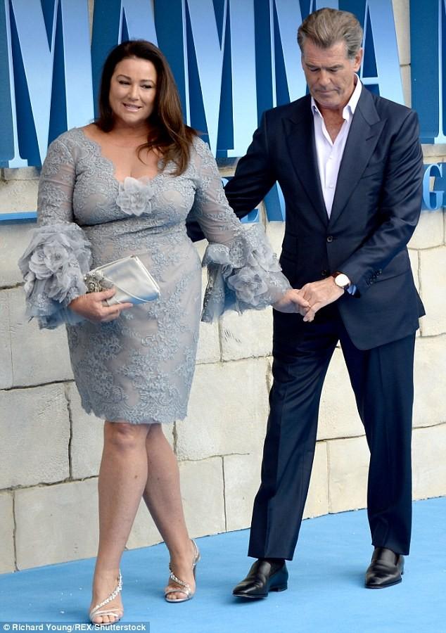 'Điệp viên 007' Pierce Brosnan tái ngộ dàn người đẹp Mamma Mia - ảnh 4