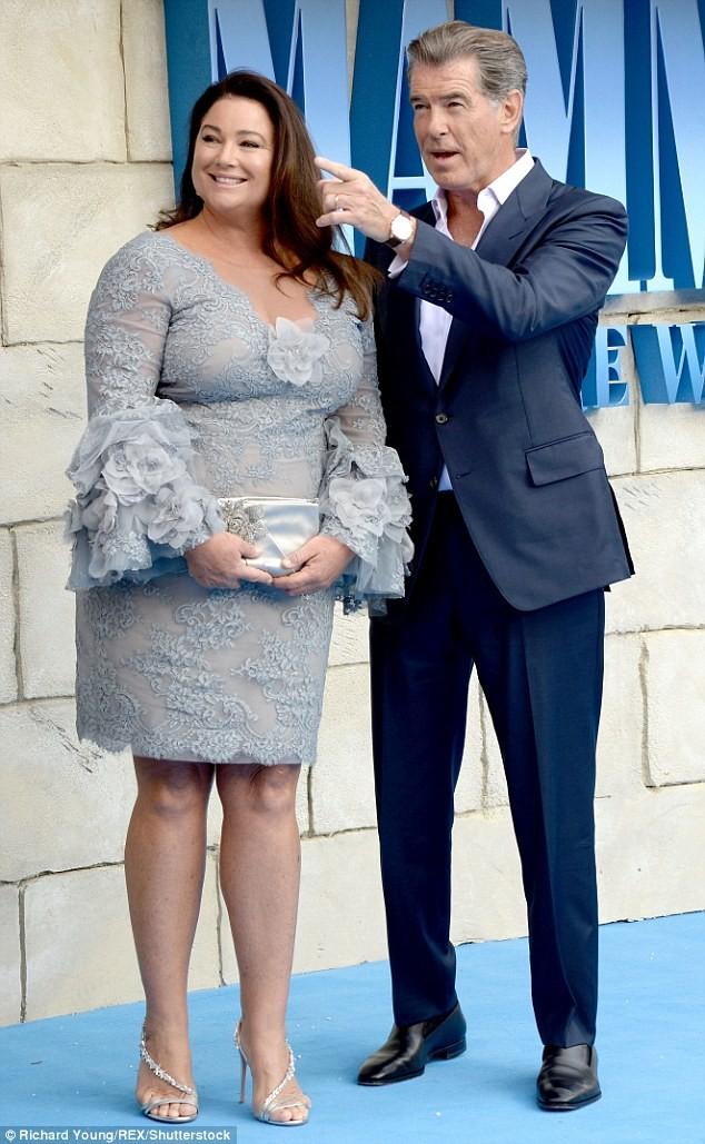 'Điệp viên 007' Pierce Brosnan tái ngộ dàn người đẹp Mamma Mia - ảnh 5