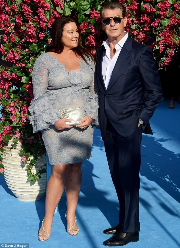 'Điệp viên 007' Pierce Brosnan tái ngộ dàn người đẹp Mamma Mia - ảnh 6