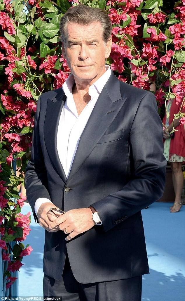 'Điệp viên 007' Pierce Brosnan tái ngộ dàn người đẹp Mamma Mia - ảnh 3
