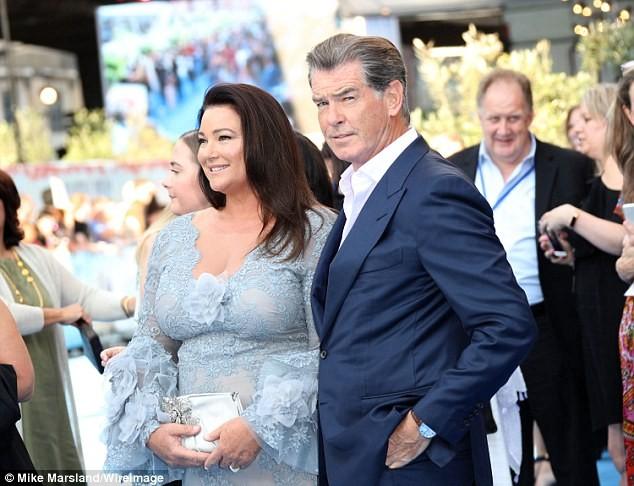 'Điệp viên 007' Pierce Brosnan tái ngộ dàn người đẹp Mamma Mia - ảnh 9