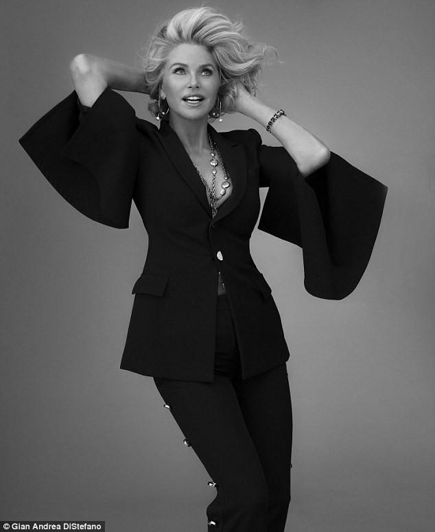 Mỹ nhân U70 Christie Brinkley sắc vóc trẻ đẹp khó tin - ảnh 10