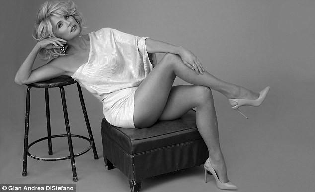 Mỹ nhân U70 Christie Brinkley sắc vóc trẻ đẹp khó tin - ảnh 7