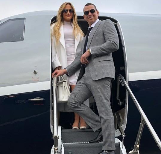 Jennifer Lopez rực lửa đón sinh nhật tuổi 49 bên bồ trẻ - ảnh 9
