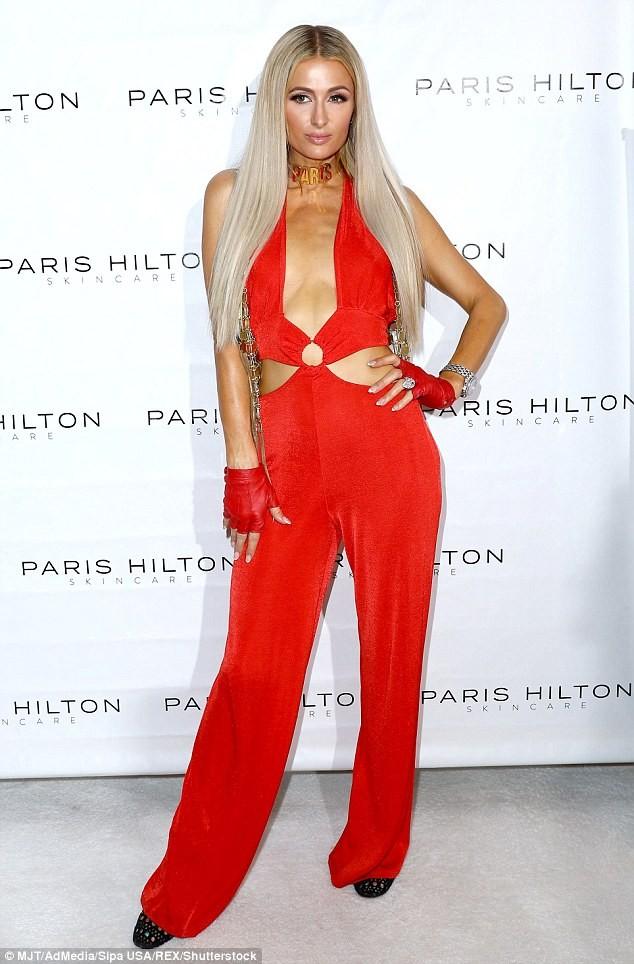 Mặc gợi cảm dự tiệc, Paris Hilton lấy lại thần thái sang chảnh  - ảnh 9