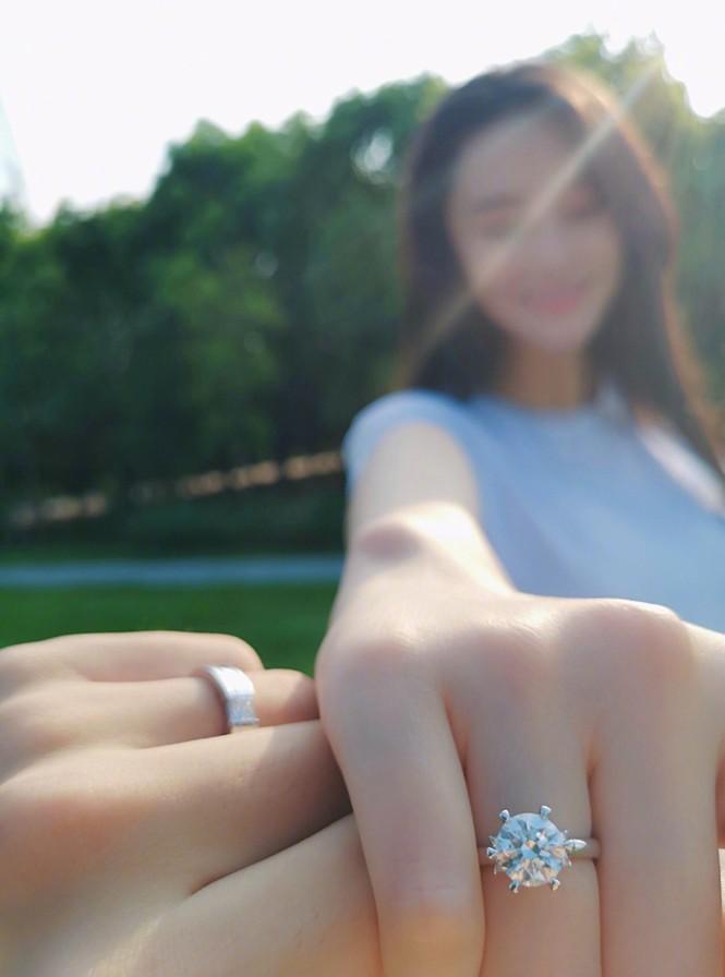 Tình địch một thời của Phạm Băng Băng bất ngờ lấy chồng - ảnh 4