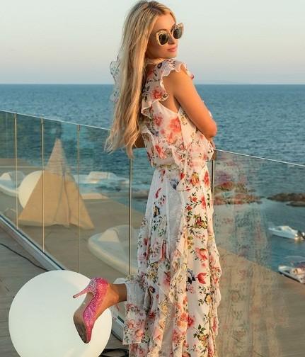 Paris Hilton bốc lửa gợi tình, tiết lộ tủ giày 'khủng' 23 tỉ đồng - ảnh 16