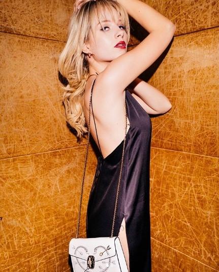 Mê mẩn sắc vóc thiên thần đầy sức sống của em gái Kate Moss - ảnh 14