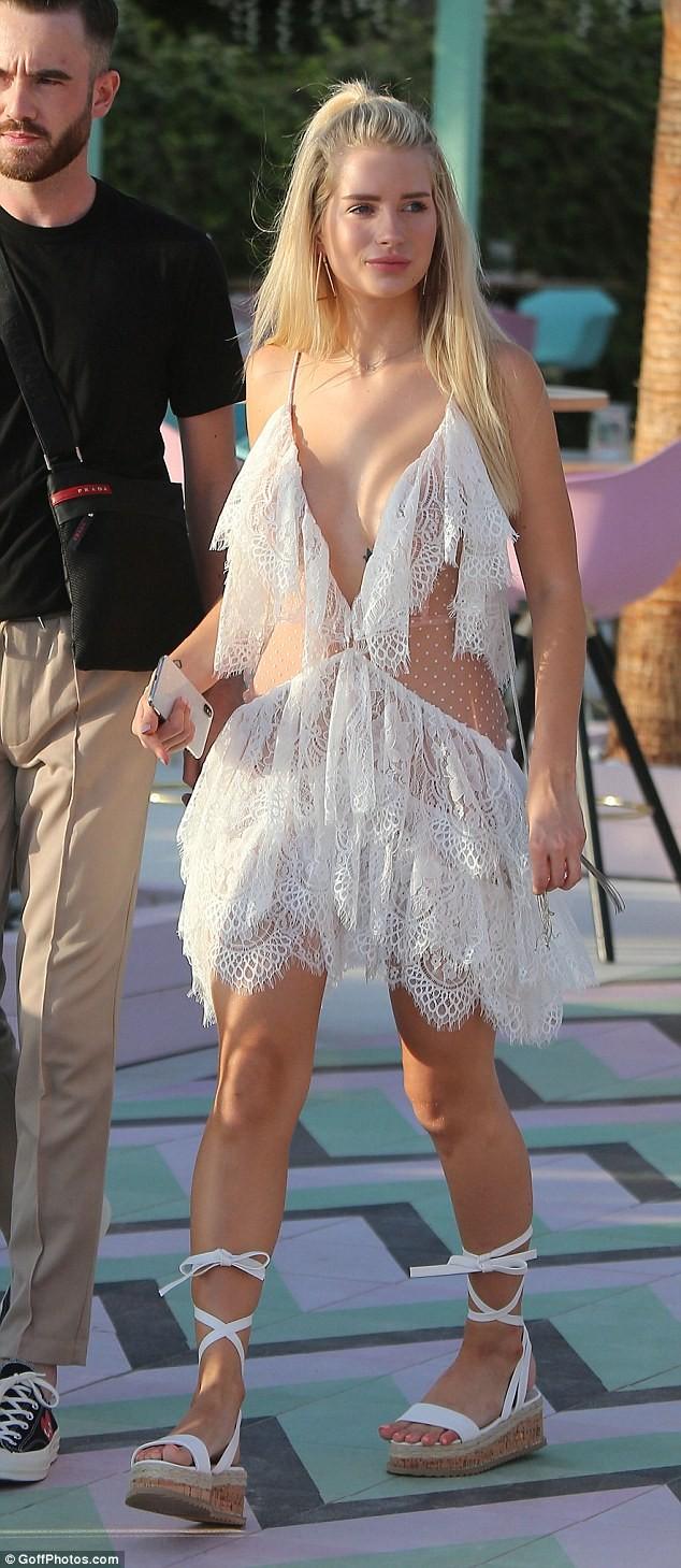 Mê mẩn sắc vóc thiên thần đầy sức sống của em gái Kate Moss - ảnh 4