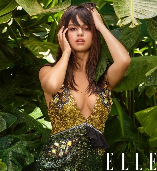Selena Gomez nóng bỏng hút hồn, lấp ló ngực đầy - ảnh 6