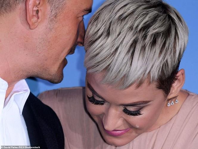 'Cướp biển' Orlando Bloom và bạn gái Katy tình tứ ở Monte Carlo - ảnh 3