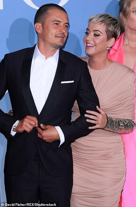 'Cướp biển' Orlando Bloom và bạn gái Katy tình tứ ở Monte Carlo - ảnh 6