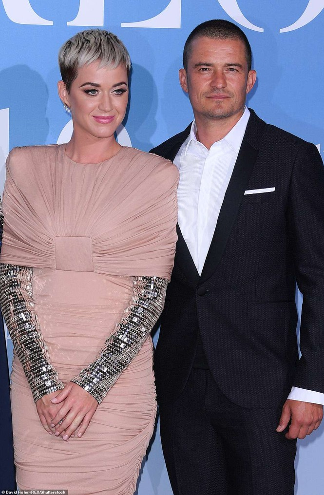 'Cướp biển' Orlando Bloom và bạn gái Katy tình tứ ở Monte Carlo - ảnh 9