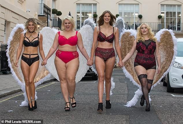 Mỹ nhân Anh quốc Ashley James mặc nội y, đeo cánh thiên thần ra phố - ảnh 8