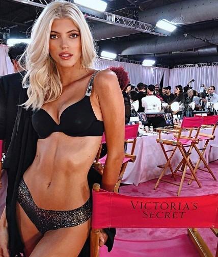 Hậu trường sôi động các mỹ nhân nội y Victoria's Secret trước giờ G - ảnh 38