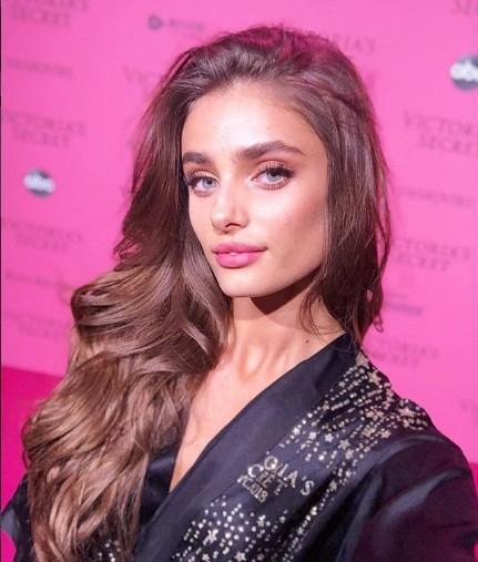 Hậu trường sôi động các mỹ nhân nội y Victoria's Secret trước giờ G - ảnh 56