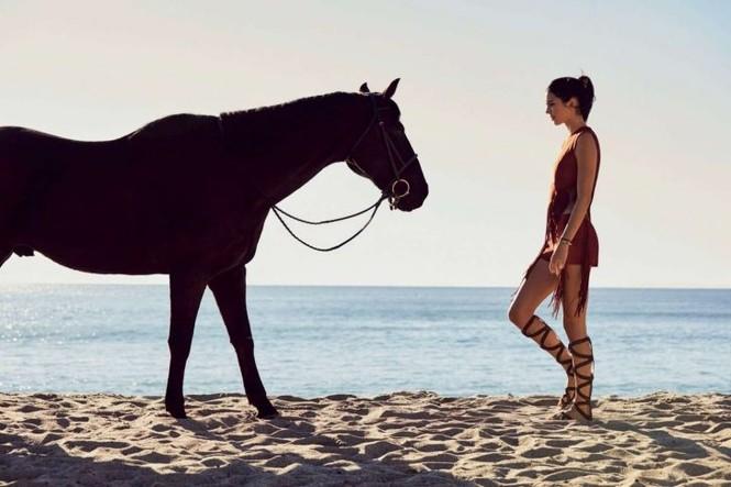 Ngắm sắc vóc cuốn hút của cô em siêu mẫu nhà Kim Kardashian - ảnh 3
