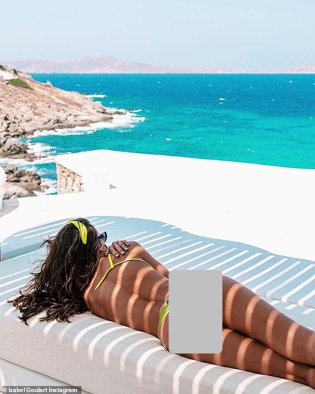 Siêu mẫu xứ Samba thả dáng tuyệt mỹ giữa nắng gió Hy Lạp - ảnh 5