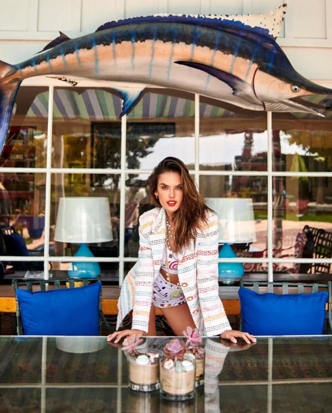 Siêu mẫu xứ Samba Alessandra Ambrosio U40 vẫn quá đỗi gợi cảm - ảnh 5