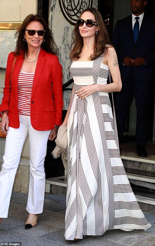 Angelina Jolie quá xinh đẹp quyến rũ trên đường phố Paris - ảnh 6