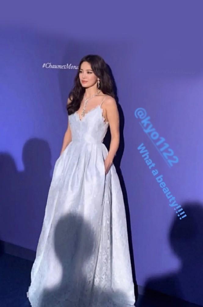 Song Hye Kyo gợi cảm với nhan sắc đỉnh cao ở Monaco - ảnh 3