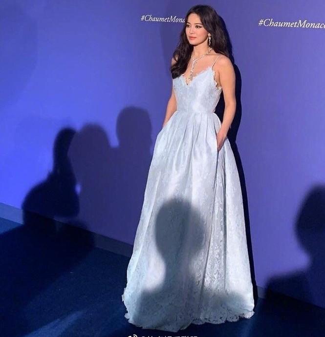 Song Hye Kyo gợi cảm với nhan sắc đỉnh cao ở Monaco - ảnh 1