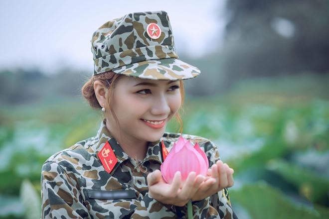 Nữ đặc công khoe ảnh 'cô Ba Sài Gòn' được dân mạng khen đẹp dịu dàng - ảnh 8