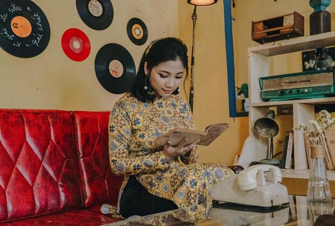 Nữ đặc công khoe ảnh 'cô Ba Sài Gòn' được dân mạng khen đẹp dịu dàng - ảnh 1