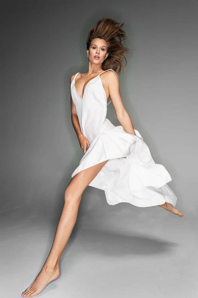 Say đắm đường cong tuyệt mỹ của thiên thần 9x Josephine Skriver  - ảnh 3