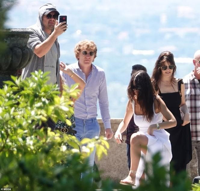 Leonardo Di Caprio hẹn hò lãng mạn cùng bạn gái kém 22 tuổi ở Ý - ảnh 8