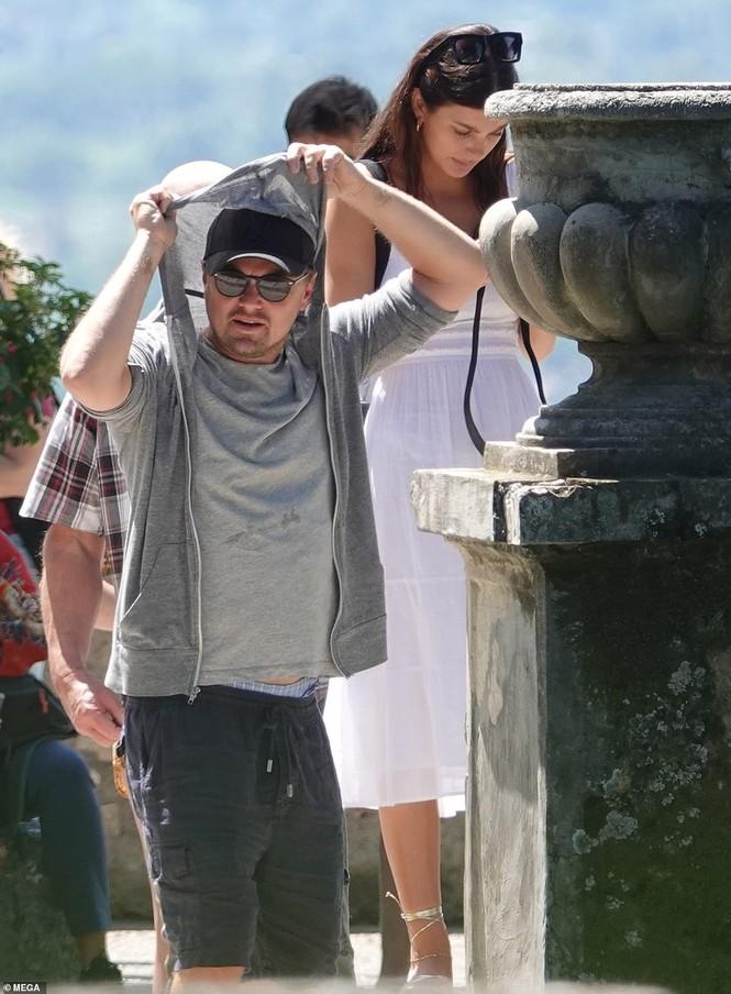 Leonardo Di Caprio hẹn hò lãng mạn cùng bạn gái kém 22 tuổi ở Ý - ảnh 12