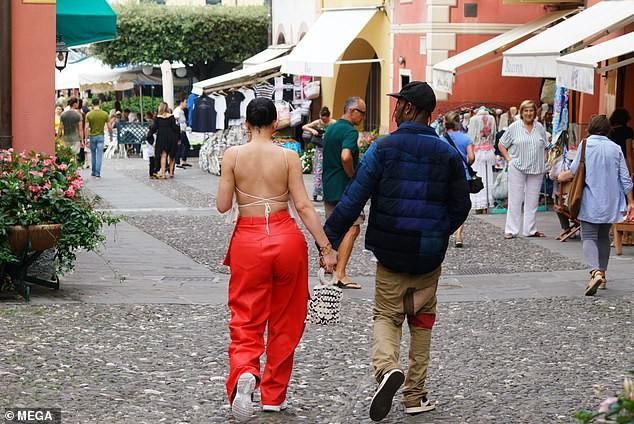 Nàng út tỉ phú nhà Kardashian áo yếm lưng trần hút mọi ánh nhìn ở Ý - ảnh 3