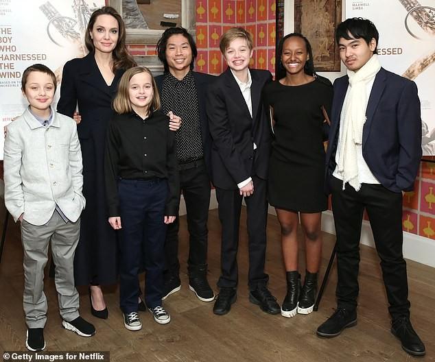 Angelina Jolie đưa con trai Maddox nhập trường đại học ở Hàn Quốc - ảnh 5