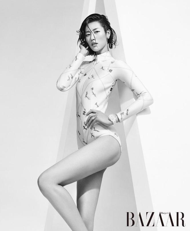 Dáng vóc hoàn hảo của mỹ nhân nội y gốc Hoa Liu Wen - ảnh 4