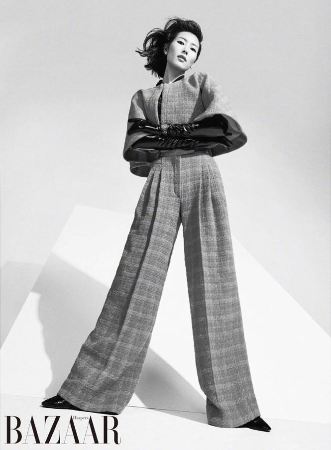 Dáng vóc hoàn hảo của mỹ nhân nội y gốc Hoa Liu Wen - ảnh 6