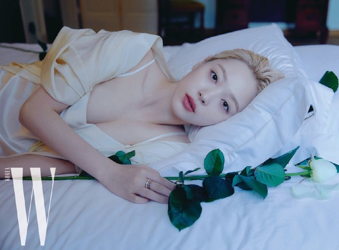 Hot girl nổi loạn xứ Hàn siêu quyến rũ với phong cách Lolita gợi cảm - ảnh 1