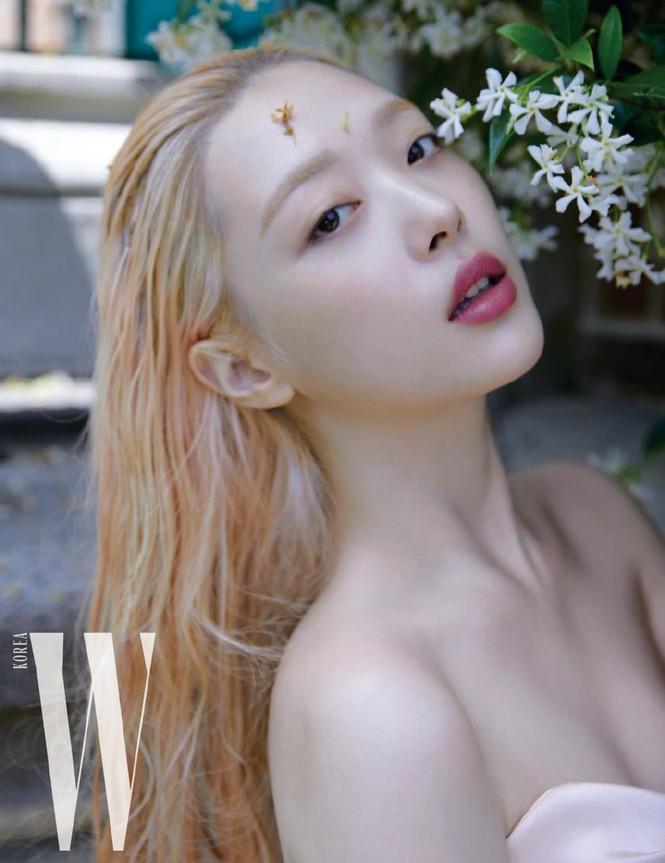 Hot girl nổi loạn xứ Hàn siêu quyến rũ với phong cách Lolita gợi cảm - ảnh 2