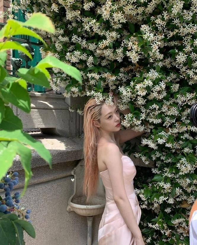 Hot girl nổi loạn xứ Hàn siêu quyến rũ với phong cách Lolita gợi cảm - ảnh 10