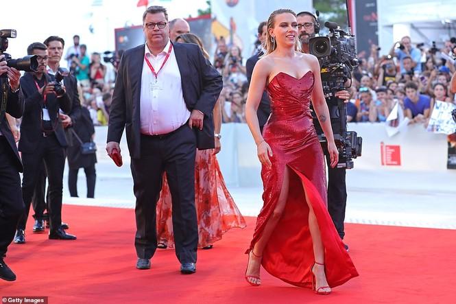 Cô đào gợi tình Scarlett Johansson khoe đường cong tròn đầy - ảnh 7