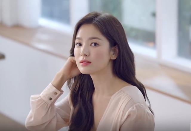 Song Hye Kyo ngày càng xinh đẹp hậu ly hôn - ảnh 3