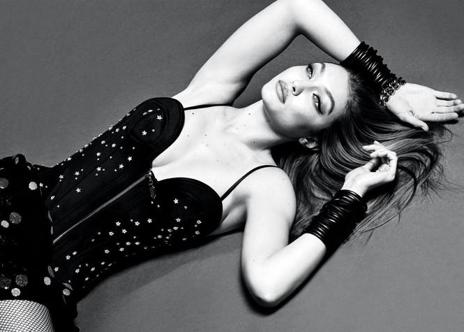 Mê đắm sắc vóc tạc tượng của 'chân dài' 9x Gigi Hadid - ảnh 1