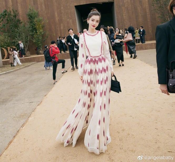 Angelababy xinh như công chúa giữa trời Paris - ảnh 22