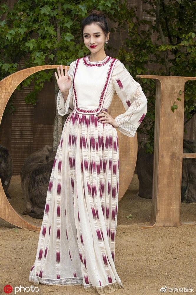 Angelababy xinh như công chúa giữa trời Paris - ảnh 13